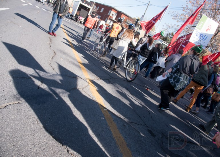 La manifestation de la Coalition Main Rouge a défilé samedi dans Villeray.