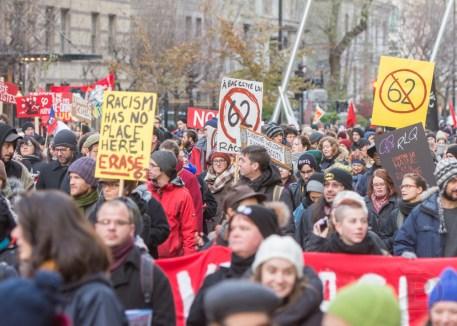 Le projet de loi 62 fut lourdement critiqué durant la manifestation.