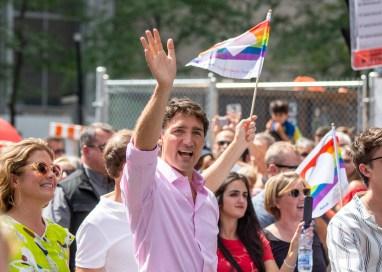 Justin Trudeau et de nombreuses autres personnalités politiques étaient de la marche, dans un contingent bien encadré et inaccessible.