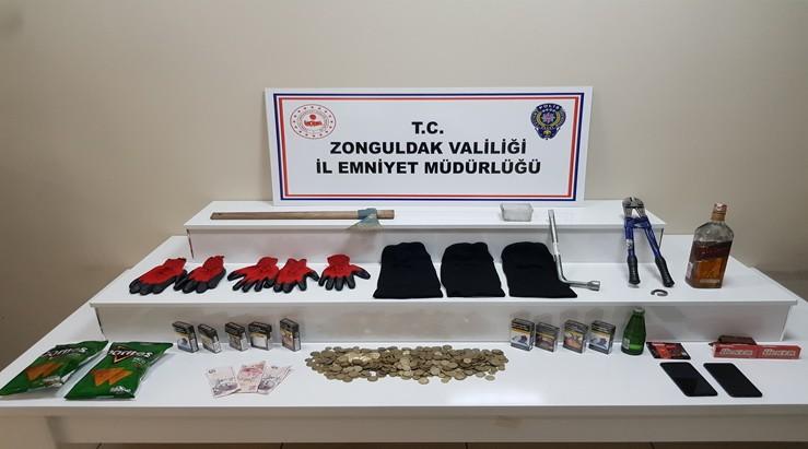 Hırsızlık zanlıları suçüstü yakalandı: 4 tutuklu