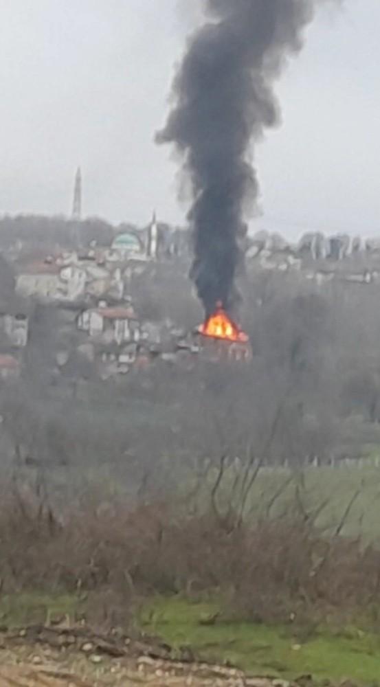 Çaycuma'da ev yangını