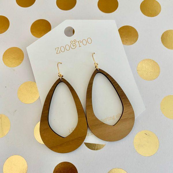 Olivia earrings walnut