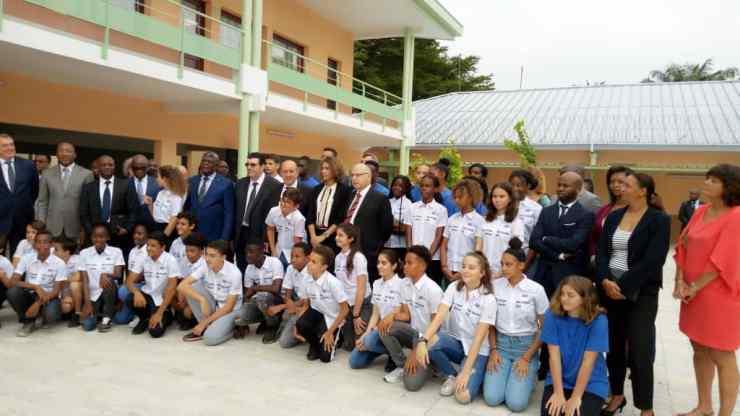 Kinshasa : Le Drian inaugure le nouveau bâtiment du Lycée Français Descartes 2
