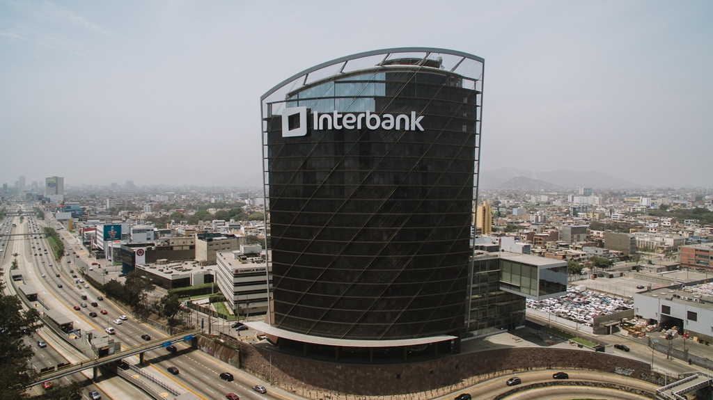 Torre Interbank.jpg