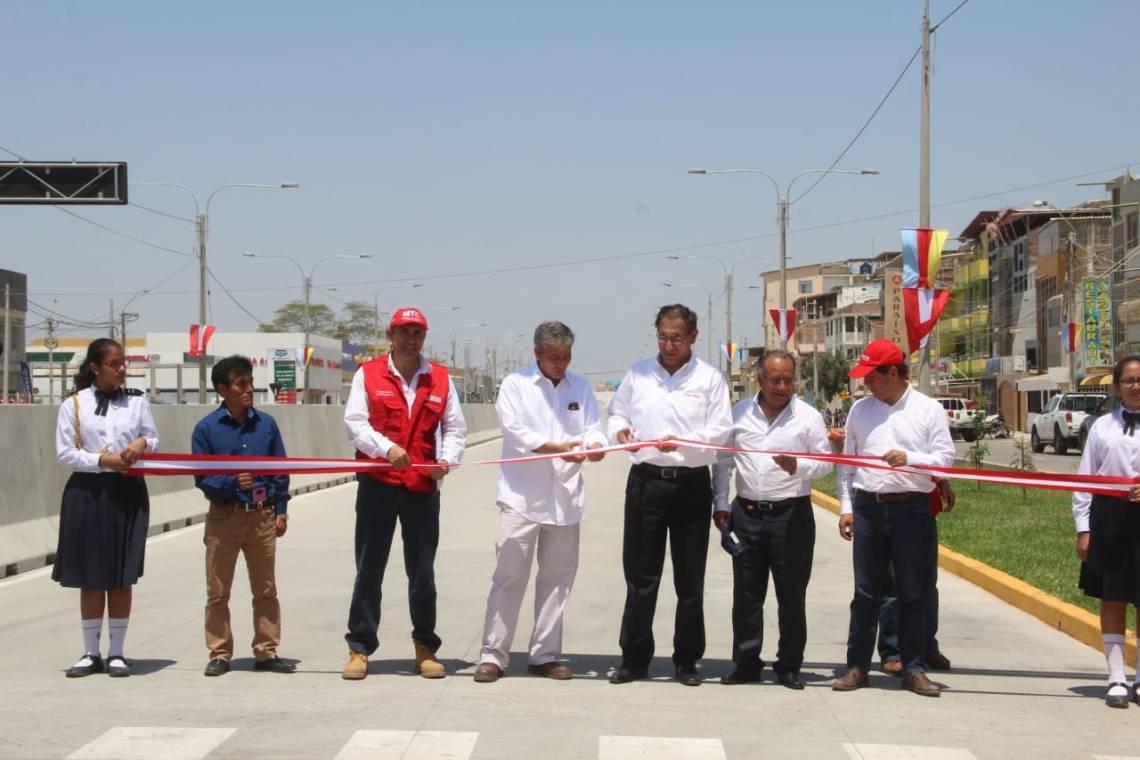 Inauguración av Sánchez Cerro