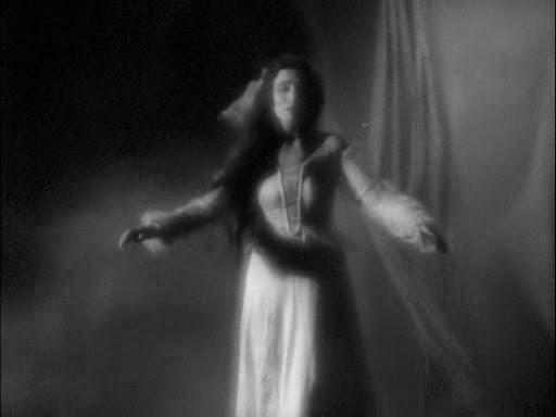 Cinco obras de Edgar Allan Poe llevadas a la pantalla grande  Zoom F7