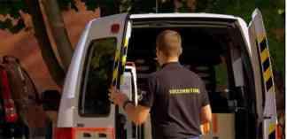 ambulanza-324x157 Palpeggia una bambina in ambulanza. Arrestato soccorritore della Croce Bianca Lombardia Prima Pagina