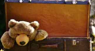 valigia-324x174 Nasconde la bimba nel trolley per portarla in vacanza Costume e Società Curiosità