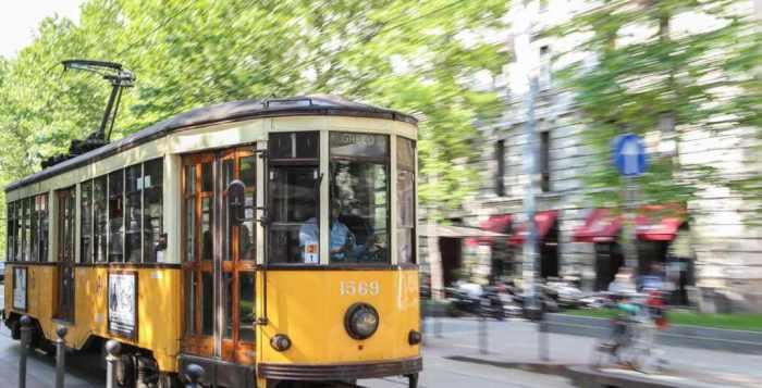 Tram Carrelli 1928 in corso Sempione a Milano