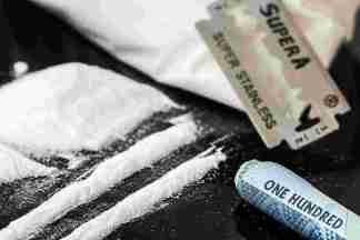 drugs-908533_1280-324x216 Cocaina liquida nella pancia. Ha rischiato la vita Cronaca Milano Prima Pagina