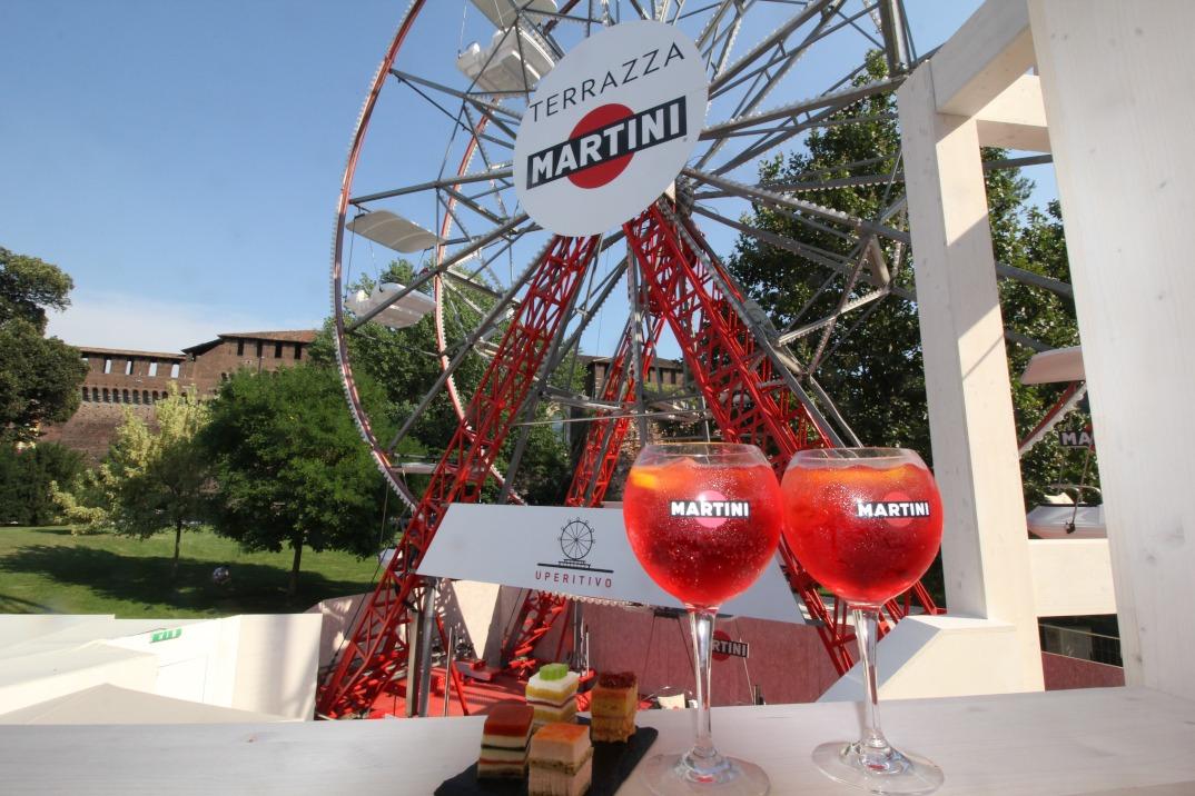 Inaugurata la ruota panoramica Terrazza Martini Temporary