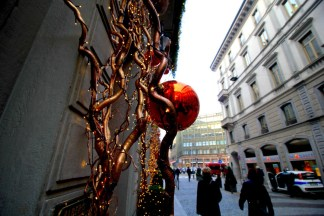 luci-di-natale-Milano-324x216 Milano in cerca di Sponsor per il Natale Costume e Società Curiosità