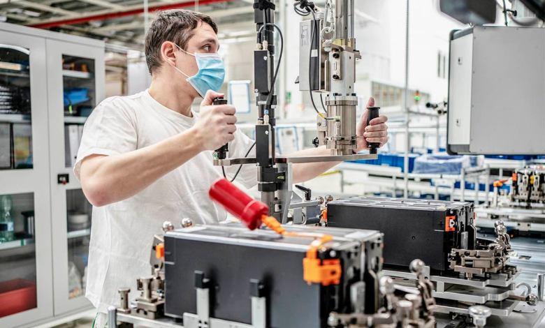 skoda-vuelve-a-fabricar-baterias-para-los-hibridos-enchufables-del-grupo-volkswagen