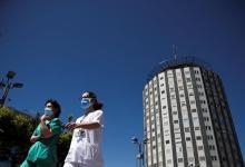 Photo of Las muertes por coronavirus en la Comunidad de Madrid caen a 17 en un día y los nuevos positivos a 10