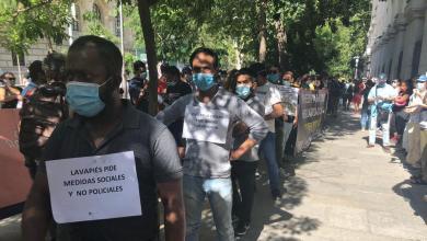 Photo of Madrid atenderá a los migrantes de las colas del hambre siempre que estén empadronados