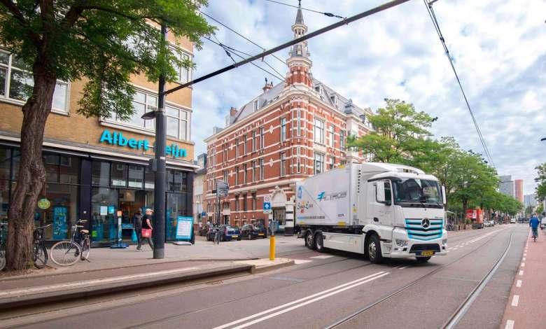 mercedes-benz-prueba-en-paises-bajos-y-belgica-su-camion-electrico-eactros