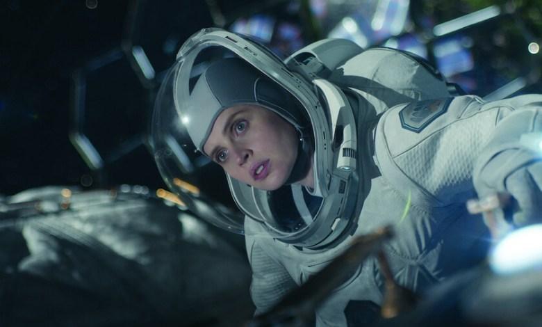 'cielo-de-medianoche'-(critica):-una-mezcla-de-drama-post-apocaliptico-y-aventura-espacial-que-no-termina-de-encontrar-su-tono