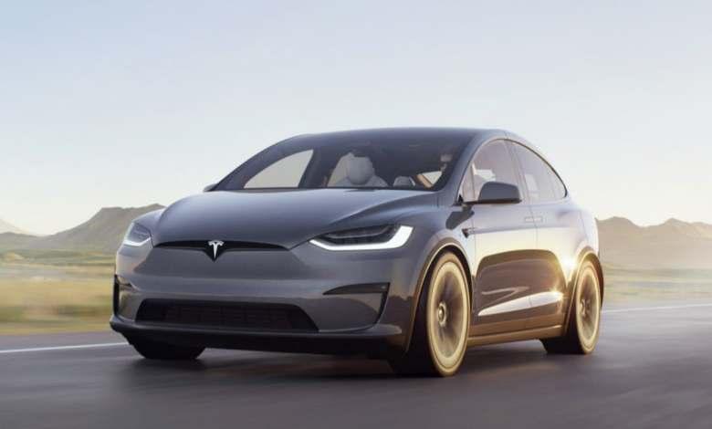 tesla-model-x-2021:-el-suv-electrico-de-lujo-tambien-recibe-el-futurista-interior-del-model-s-y-version-plaid