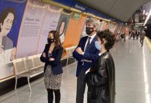 metro-de-madrid-tematiza-la-estacion-de-manuela-malasana-con-retratos-y-resenas-biograficas-de-18-mujeres-pioneras