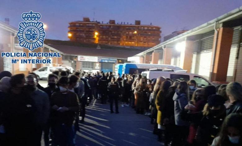 la-policia-detiene-a-25-personas-en-cinco-fiestas-ilegales-en-madrid-la-noche-del-sabado