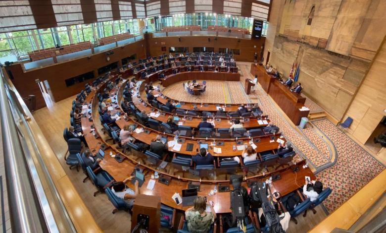 la-asamblea-de-madrid-tendra-136-diputados-en-la-nueva-legislatura,-4-mas-que-2019:-¿habra-empate-entre-bloques?
