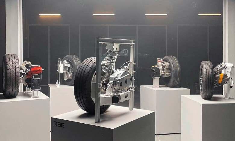 cinco-nuevos-modulos-reecorner-con-motor,-freno,-direccion-y-suspension-en-las-ruedas