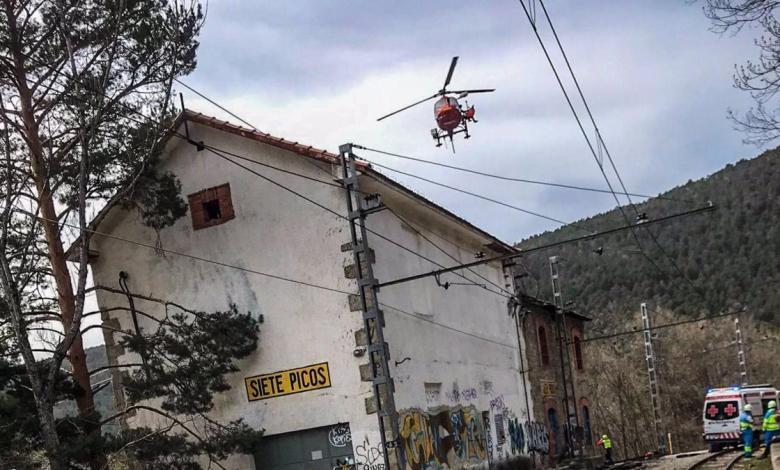 un-joven-de-16-anos-cae-desde-cinco-metros-de-altura-tras-electrocutarse-con-la-catenaria-de-un-tren-en-cercedilla