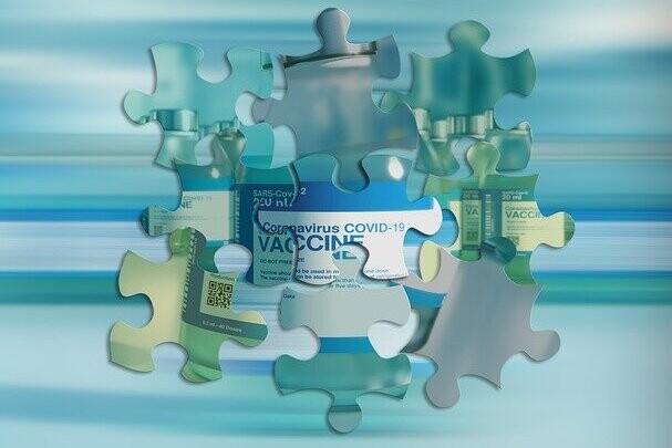 como-ha-calculado-la-ema-que-los-beneficios-de-vacunar-con-astrazaneca-superan-por-mucho-los-riesgos-por-grupos-de-edad