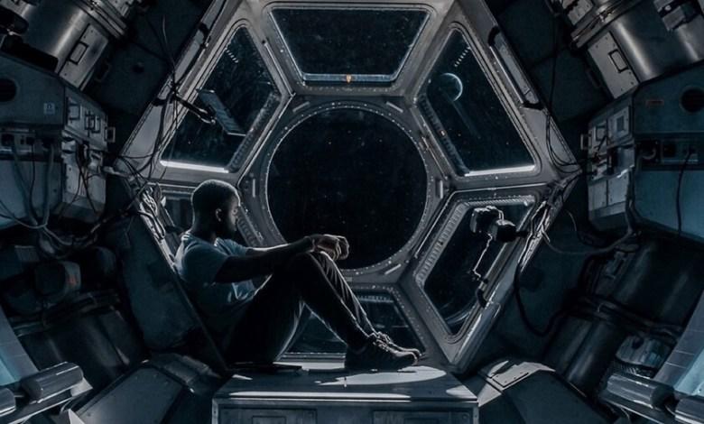 'polizon':-tenso-drama-espacial-en-netflix-que-usa-el-escenario-para-construir-una-excelente-miniatura-de-suspense