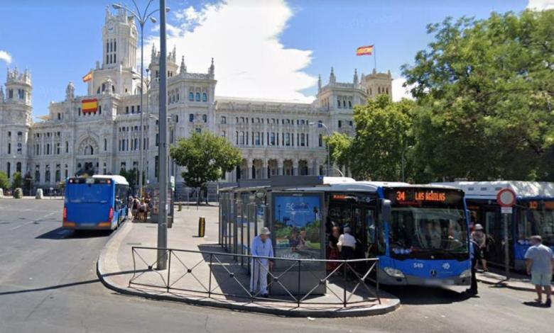 un-total-de-25-lineas-de-autobus-de-madrid-cambian-sus-paradas-en-cibeles-desde-este-domingo-por-las-obras