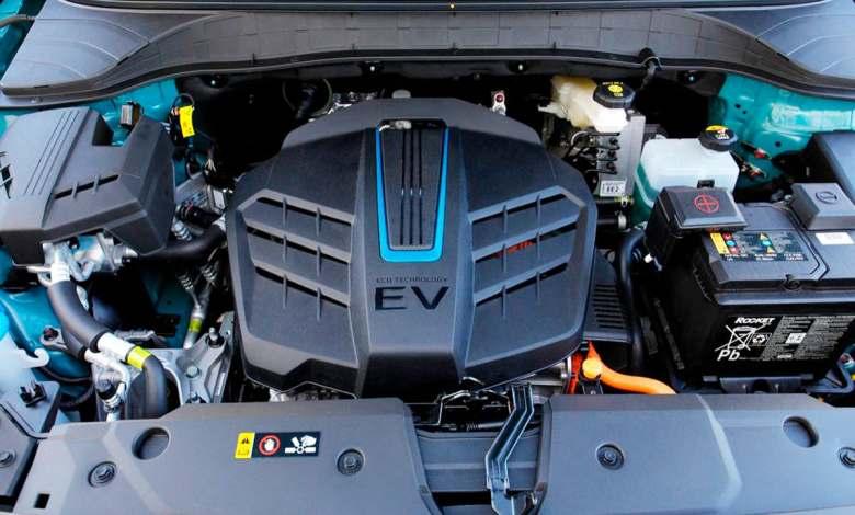 """asi-son-las-""""otras""""-baterias-de-los-coches-electricos,-las-de-baja-tension"""