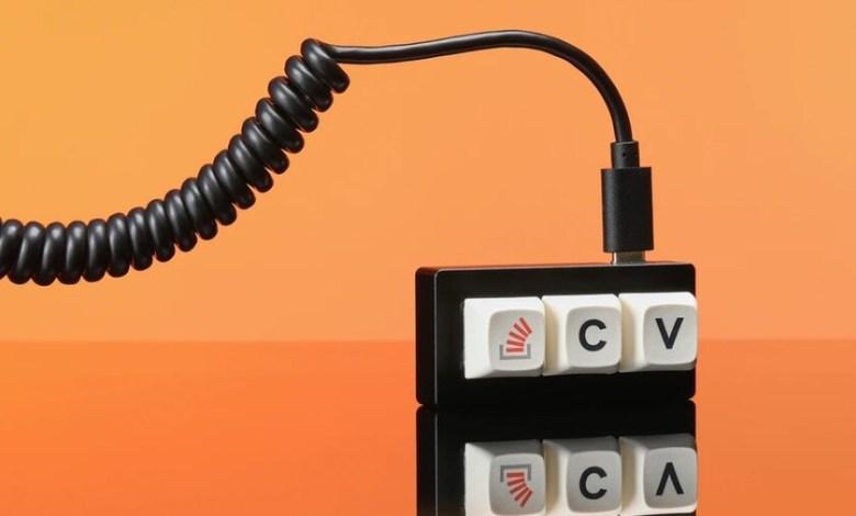 """copiar-y-pegar-desde-stack-overflow-sera-mucho-mas-facil-con-este-teclado:-solo-tiene-tres-teclas-y-son-""""ctrl"""",-""""c""""-y-""""v"""""""