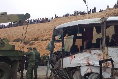 بالفيديو..حادثة إنقلاب حافلة نقل عاملات تصبير السمك بأنزا أكادير
