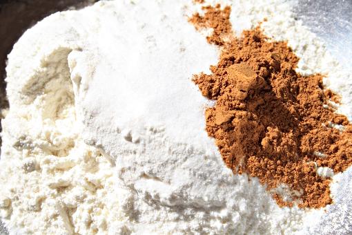 crisp-oatmeal-cookies-flour-mixture