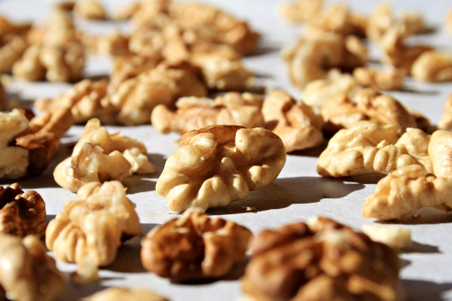 crispy-oatmeal-cookies-walnuts