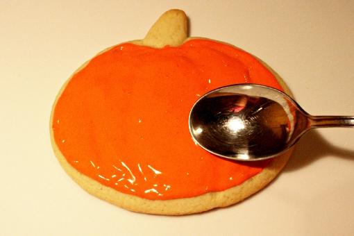 halloween-pumpkin-sugar-cookies-decorating-first-layer-spread