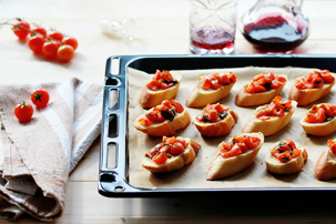 Tomato, Garlic And Basil Bruschetta Bites