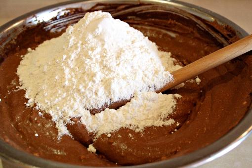 brownie-tart-adding-flour-and-salt