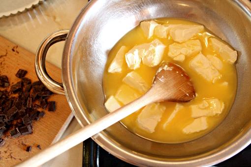 brownie-tart-melting-butter