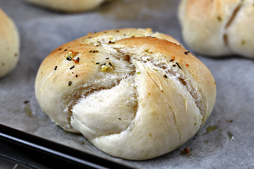 oft garlic knots recipe with step by step pictures, soft buns, homemade buns, bake