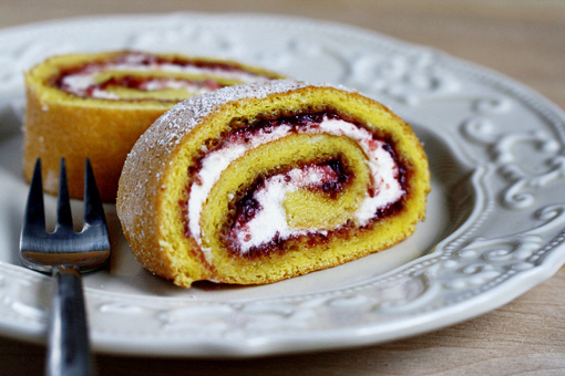 strawberry roulade recipe, strawberry jelly roll with cream recipe with step by step images