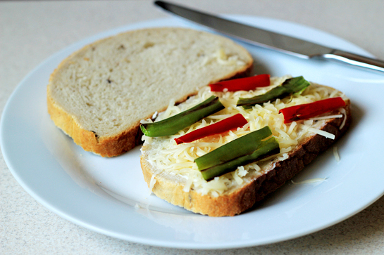 crispy chili pepper grilled cheese sandwich recipe with step by step pictures, add the pepper