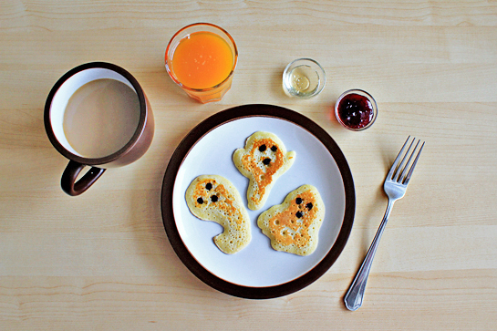 halloween ghost shaped pancakes step by step picture recipe