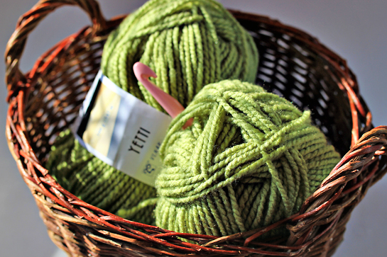 skeins-of--yarn-in-basket-pink-hook