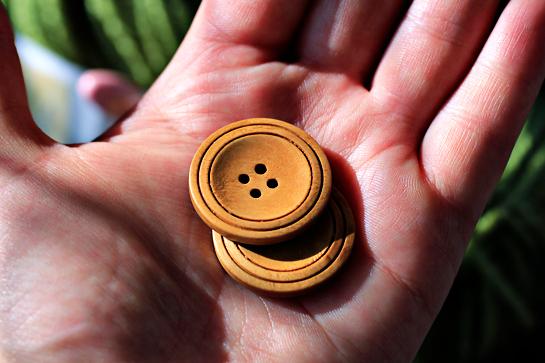 wooden-buttons
