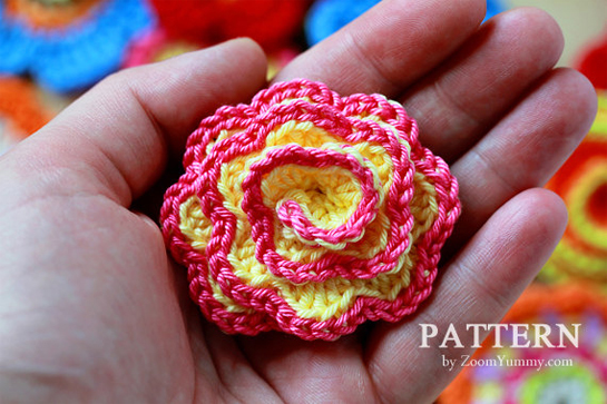 crochet-pattern-flower-collection-mini-bunting