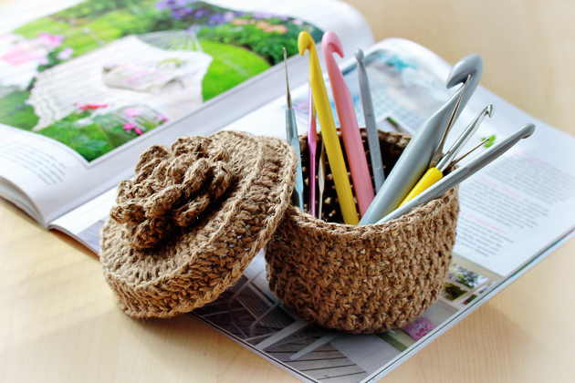 crocheted-twine-box