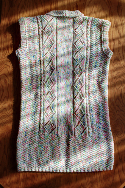 white long knitted vest with pockets back side