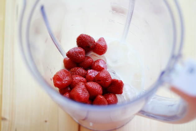 strawberry and tropical fruit smoothie recipe