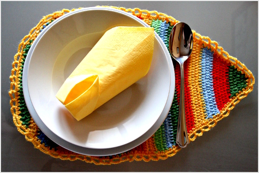 free crochet pattern - Easter placemat
